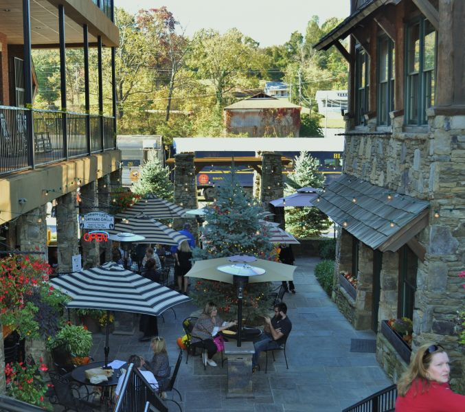 Christy Lee's Courtyard Grill