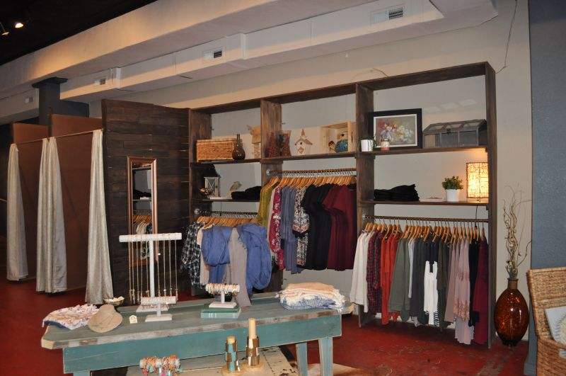 Charmant The Ridge Offers Fashionable Clothing, Jewelry, Handbags, Scarves, And More  For Women At Fabulous Prices! Come Check Us Out; We Are Located In Downtown  Blue ...
