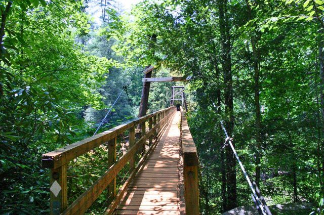 Toccoa River Swinging Bridge hiking trail in the Blue Ridge mountains of North Georgia