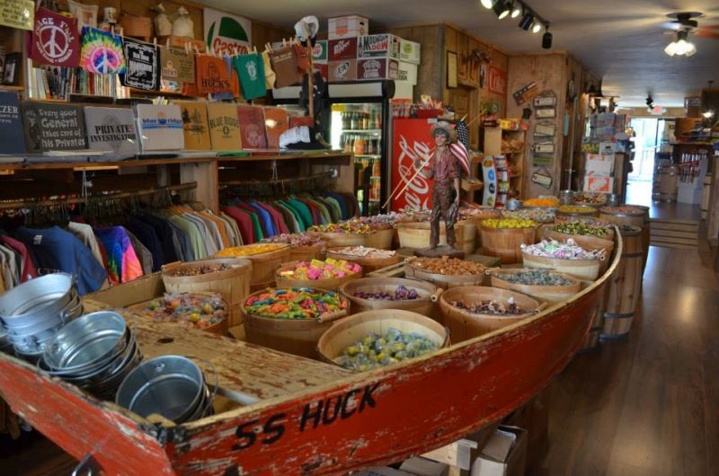 Huck's General Store